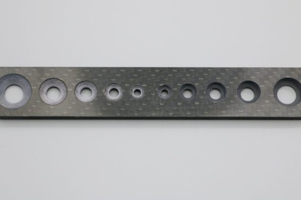 CFRPテーパ穴、平ザクリの加工例